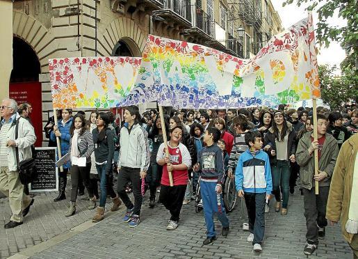 Una de las últimas manifestaciones del Día Escolar de la No Violencia celebrada en Palma.