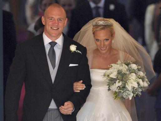 Zara Phillips y Mike Tindall, n una imagen de su boda.