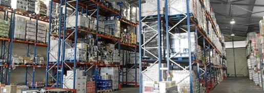 Exclusivas Miró empezó con dos marcas, un pequeño almacén, una furgoneta y un repartidor. Ahora cuenta con 60 empleados en temporada alta.