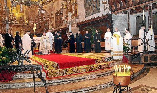 Salinas y representantes de los ritos protestante y ortodoxo.