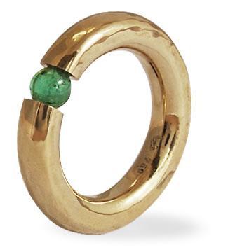 La joyería trabaja todo tipo de materiales nobles.