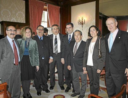Nicolás Pomar, Margalida Ramis, Antoni Verd, Bartomeu Servera, Jaime Juan, Pedro Iriondo, María Comas y Salvador Vila.
