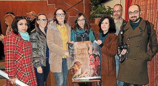 Candela Nieto, Cris Cladera, Cris Estarellas, Catalina Nebot, Luz Marcos, Toni Pasarius y Pere Garcíes, integrantes de Equipo Dos Zurdos.