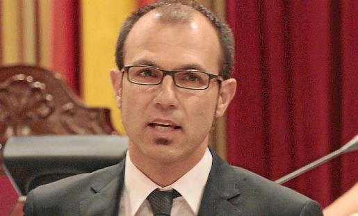 Biel Barceló critica las medidas de Zapatero.