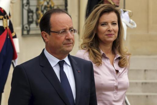 El presidente francés François Hollande y Valérie Trierweiler, en una foto tomada el 1 de octubre de 2013.