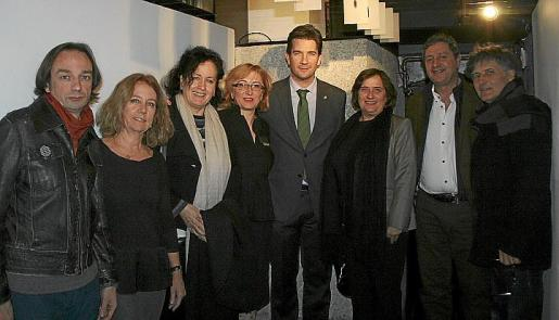 Marcos Vidal, Asun Clar, Pilar Ribal, Lourdes Murillo, Fernando Gilet, Jero Martínez, Carlos Jover y Amador Magraner.