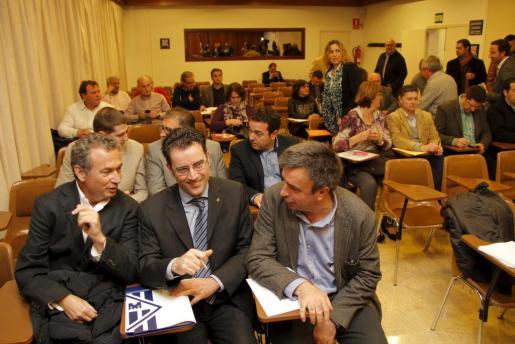 Uno de los momentos de la asamblea de alcaldes celebrada hoy.