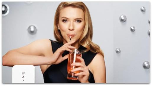 Scarlett Johansson, en un fotograma del spot grabado para SodaStream.
