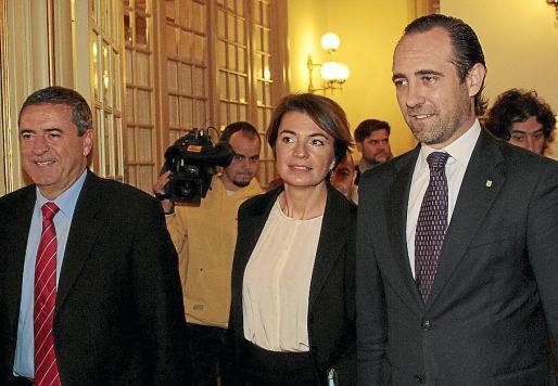 José Ramón Bauzá y Margalida Durán, en una imagen de archivo junto a Pere Rotger.