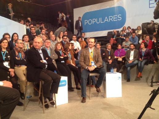 El presidente del Govern José Ramón Bauzá con el ministro de Educación José Ignacio Wert durante su participación en la Convención Nacional del PP en Valladolid.