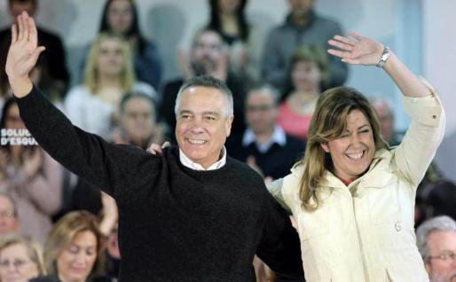 La presidenta de Andalucía y secretaria general del PSOE andaluz, Susana Díaz, y el líder del PSC, Pere Navarro.