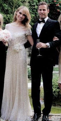 Patricia Conde y Carlos Seguí, en Esporles el día de su boda en julio de 2012.