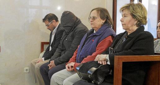 Miquel Ángel Bonet, con la cara destapada, ayer durante el juicio.