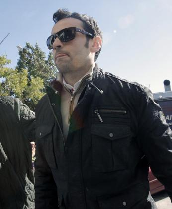 El piloto de MotoGP, Héctor Barberá, a su llegada al juzgado de guardia donde ha sido condenado a pagar una multa de 3.600 euros.