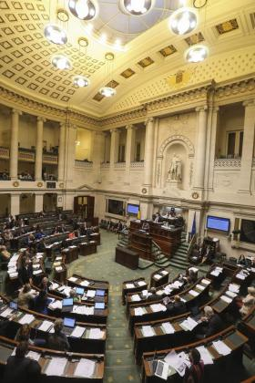 Vista general del Parlamento de Bélgica durante el debate sobre la extensión de la ley sobre la eutanasia a los menores de edad.