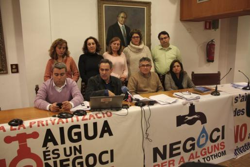 Miembros de la oposición se cerraron el pasado mes de diciembre en el Ayuntamiento de Inca contra la privatización del agua.