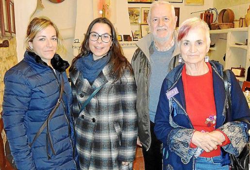 Emma Terès, Jessica Campos, Rafel Valverde y Aina Matamalas.