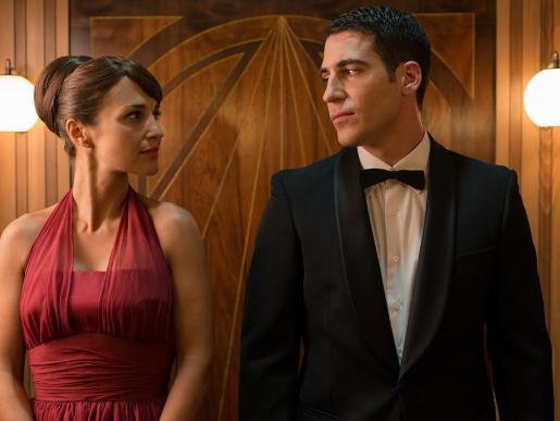 Paula Echeverría y Miguel Ángel Silvestre son los protagonistas de Velvet.