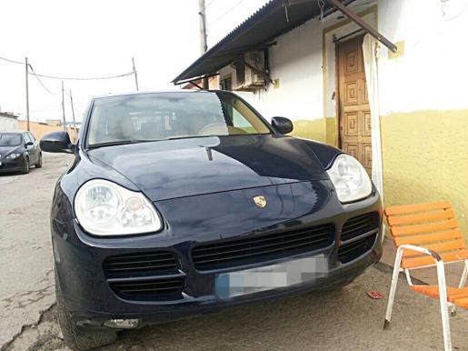 Imagen del Porsche aparcado en una de las calles de Son Banya.
