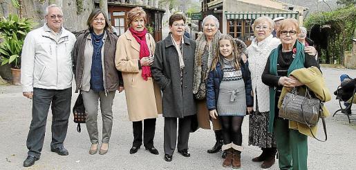Joan Cardona, Àngels Coll, Àngels Mezquida, Magda Rotger, Margalida Villalonga, Saona Estupiña, María Roig y Cati Rigo.