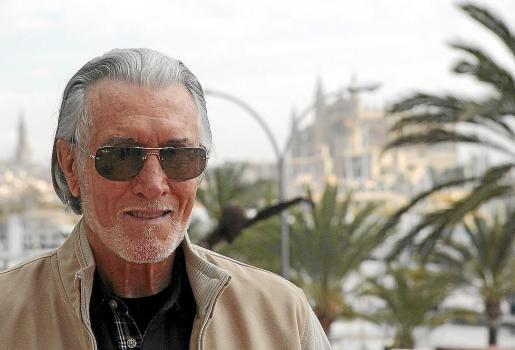El cantante y compositor Danny Daniel, en el Passeig Marítim de Palma.