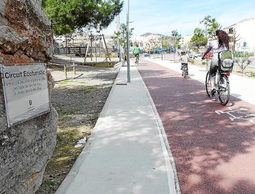 El carril bici se ha ido realizando en diferentes tramos.