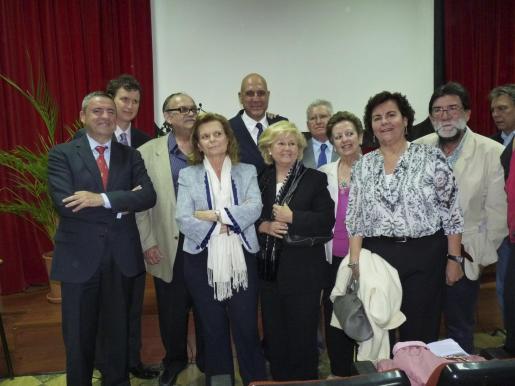 Pere Rotger, Miguel Covas, Antoni Figuera, Carme Riera, Guillermo Estarellas, Maribel Bennázar, Sebastián Puigserver, Teresa Homar, Margarita Tous, Julio Jurado y Antonio Bujosa.