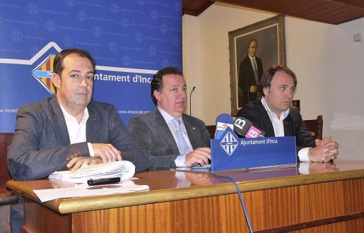 Antonio Aguilar, Rafel Torres y Felip Jerez presentaron ayer los presupuestos.