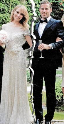 Patricia y Carlos, el día que se casaron, lejos de 'flashes' no amigos.