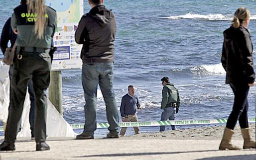 La mujer apareció golpeada y asfixiada cerca del agua, en la playa de Son Bauló, el pasado viernes.