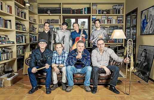 Fotografía promocional de The Great Symposium Band.