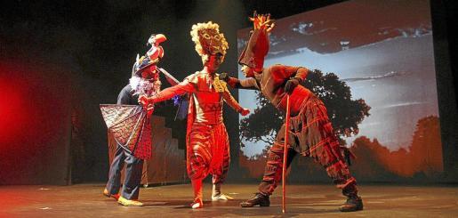 El escenario se llena de magia, color y emotivas situaciones cautivando a niños y mayores.
