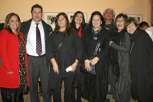 Sonia Valenzuela, José Antonio García-Bustos, Pilar Negredo, Silvia Romero, Pilar Ribal, Felipe Magaña, Esperanza López-Espinosa y Magdalena Planas.