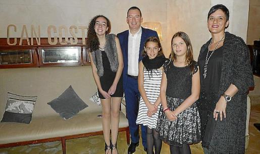Laura Soto, César Soto, Irene Soto, Kelia Bablet y Pilar Rodríguez.