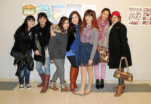 Melisa de Santos, Fiorentina Poceiro, Alejandra Abellán, Nayla Forteza, Beatriz Colom, Leticia Cuevas y Milagros Melero