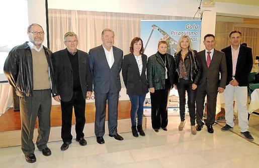 Josep Rigo, Miquel Bordoy, Juan José de Salabert, Josefina Linares, Coloma Terrasa, Bel Cerdà, Pere Antoni Borràs y Juan José Román.
