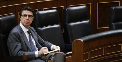 El ministro de Industria, José Manuel Soria, durante un pleno del Congreso.