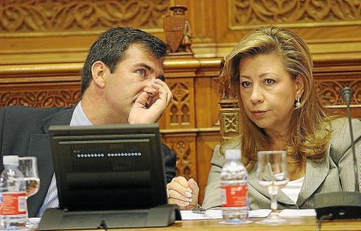 Munar comenzó a tener problemas de salud a partir del 2003 y empezó a delegar en Miquel Nadal (Palma) y en Bartomeu Vicens (Part Forana).