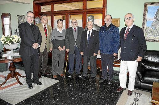 Juan Darder, Joan Salom, Francisco de la Iglesia, Gabriel Bicellach, Pep Oliver, Julià Cifre y Miquel Burguera.