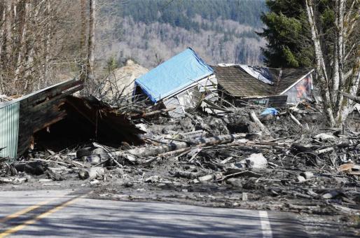 El alud ha producido 8 muertos y más de un centenar de desaparecidos-