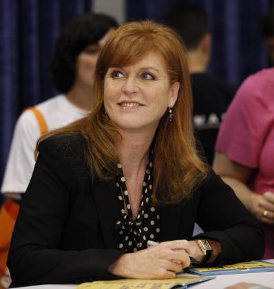 "Sarah Ferguson, Britain's Duchess of York, signs copies of her book ""Helping Hand Books: Emily's First Day at School"" at the BookExpo America in New York May 26, 2010. REUTERS/Shannon Stapleton (UNITED STATES - Tags: ROYALS PROFILE) USA/"