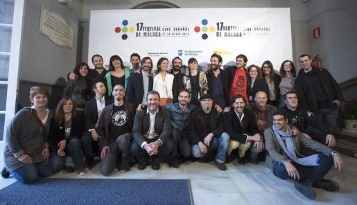 Foto de familia de los premiados de la sección oficial a concurso del Festival de Cine Español de Málaga donde la película '10.000 kilómetros', dirigida por Carlos Marqués-Marcet, ha sido la ganadora de la Biznaga de Oro al mejor largometraje.