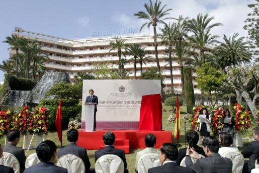 El alcalde de Palma, Mateo Isern, durante su intervención en la inauguración del hotel Valparaiso.