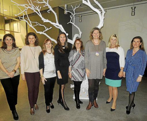 Magdalena Ribas, Catizia Bernat, Cati Covas, Susana García, Maripi Díaz, Coloma Vadell, Alex Fraile y María Victoria Conrado.