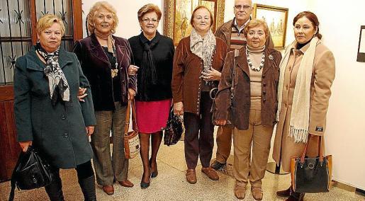Dolores Girón, Pepe Cortés, Carmen Guirado, Rosa Frontera, Melchor Sampol, Paquita Romero y María Dávila.