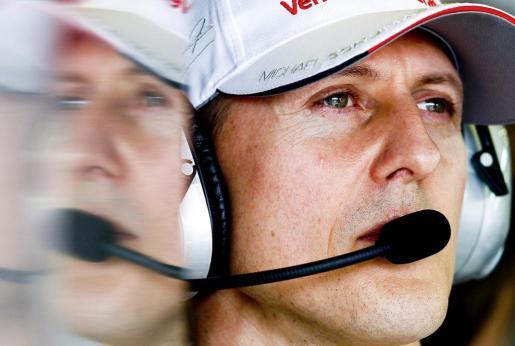 Fotografía de archivo tomada el 16 de marzo de 2012 que muestra al piloto alemán de Fórmula Uno, Michael Schumacher.