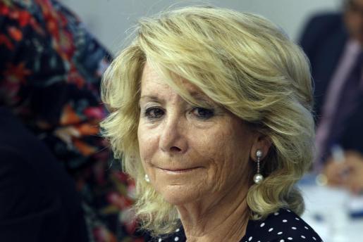 La presidenta del PP de Madrid, Esperanza Aguirre, ha protagonizado un incidente de tráfico.