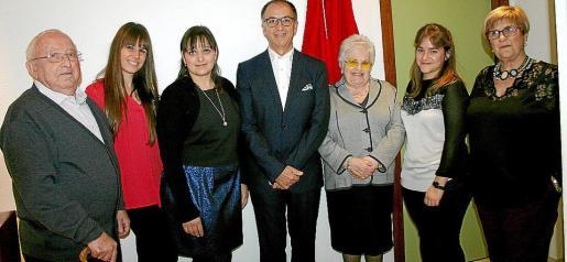 Joaquín Esteve, Elena Pérez, Ana Muñoz, Tomás Alías, Isabel Valldeperas, Mar Alías y Nuri Mus.