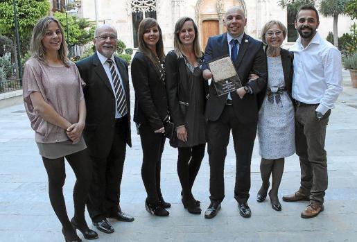 Magdalena, Vicente, Carolina Torres, Carlota Cerdà, Xavi Torres, Xavi Torres, Joana Cerdà y Àlex Torres