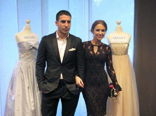 """Los actores Miguel Ángel Silvestre y Paula Echevarría durante la presentación de la serie """"Velvet"""", que protagonizan, en el MipTV de Cannes."""